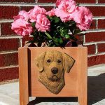 Chesapeake Bay Retriever Planter Flower Pot 1
