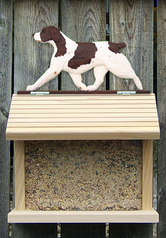 Brittany Dog Liver Bird Feeder