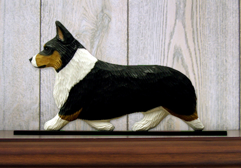 Welsh Corgi Pembroke Dog Figurine Sign Plaque Display Wall Decoration Tri