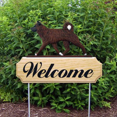 Akita Outdoor Wood Welcome Yard Sign Brindle in Color