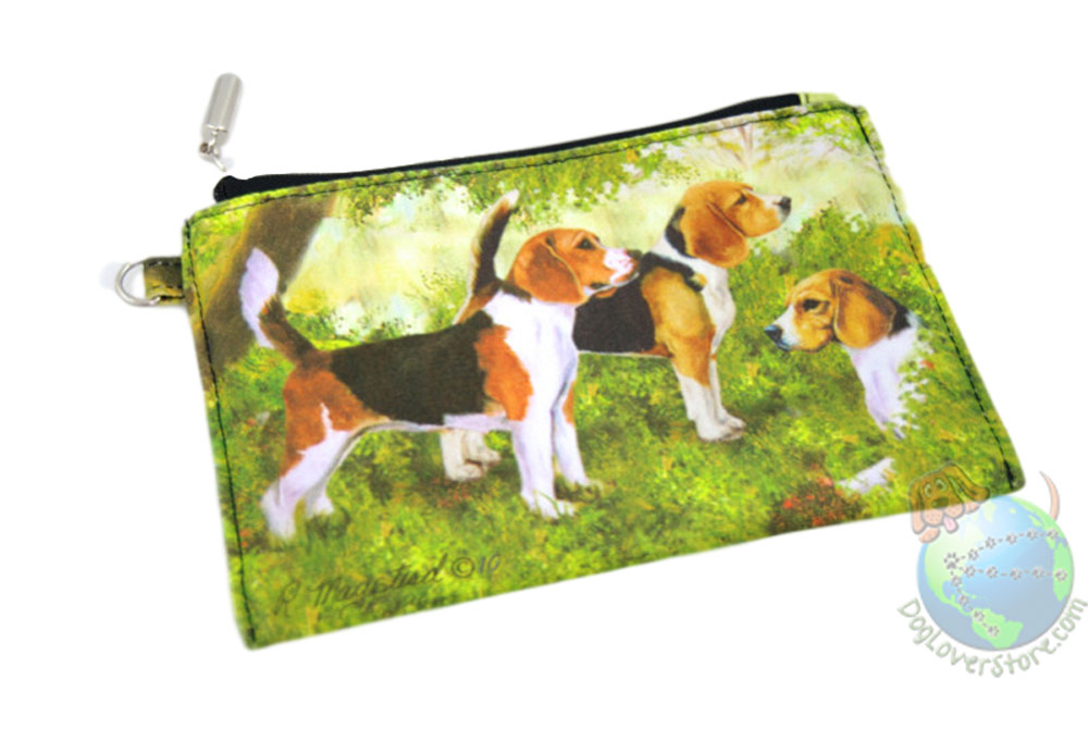 3 Beagles Sitting in Field Design on Zippered Coin Bag