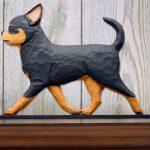 chihuahua-figurine-plaque-black-tan