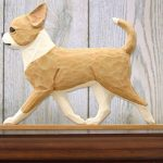 chihuahua-figurine-plaque-fawn-white