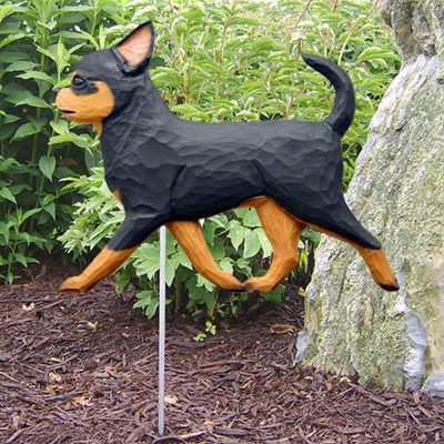 chihuahua-garden-sign-black-tan