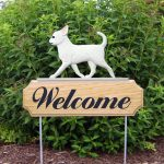 chihuahua-welcome-sign-white