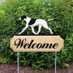 english-pointer-welcome-sign-black-white