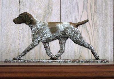 german-shorthair-pointer-dig-figurine-plaque