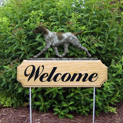 german-shorthair-pointer-welcome-sign