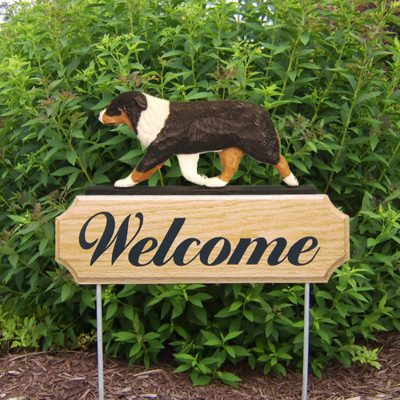 Australian-Shepherd-Dog-Breed-Oak-Wood-Welcome-Outdoor-Yard-Sign-Black-Tri-400706781350