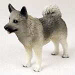Norwegian-Elkhound-Hand-Painted-Collectible-Dog-Figurine-400321180595