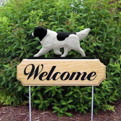 Newfoundland Outdoor Welcome Garden Sign - Landseer (Black/White) in Color
